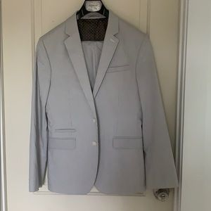 Express two piece suit photographer style
